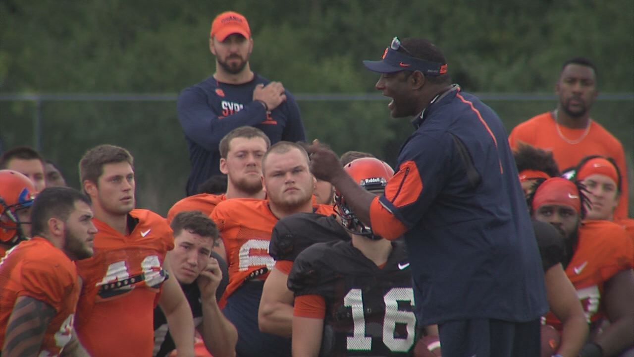 Dino Babers Practice Huddle pic_1472604239312.jpg