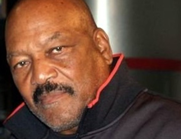 Jim Brown_-8099016384208549299