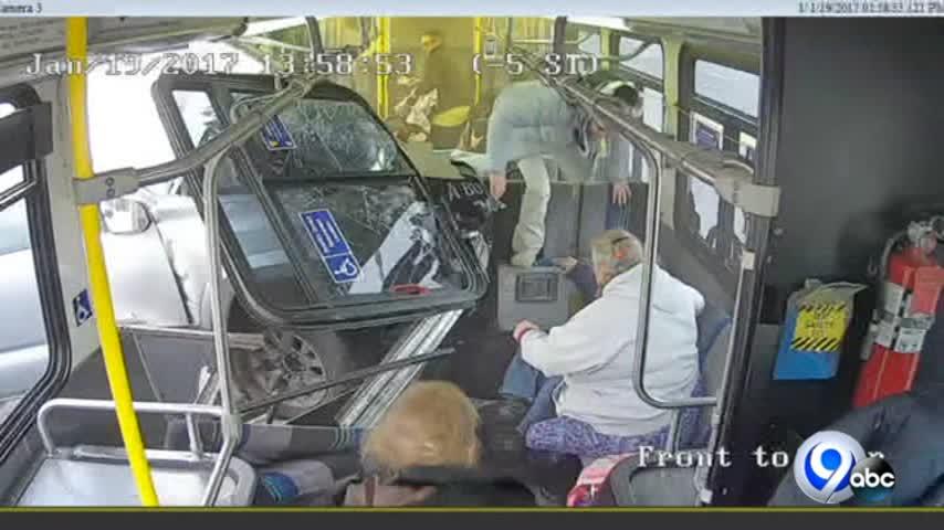 Video- Truck into Centro bus_49524405
