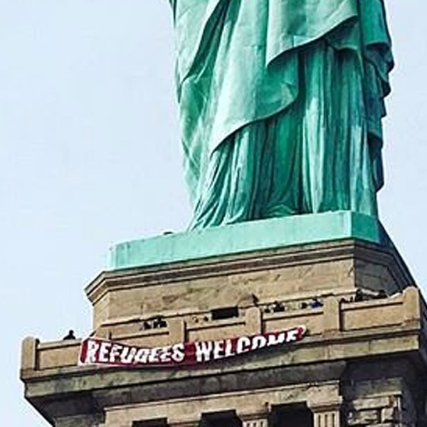 Statue%20of%20Liberty%20refugees%20banner_1487740646475_202002_ver1_20170222052406-159532