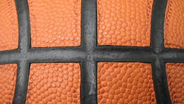 OTD February 28 - televised basketball_1909640650719496-159532