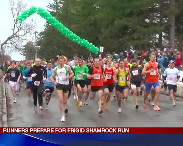 Runners prepare for frigid Shamrock Run_28497820