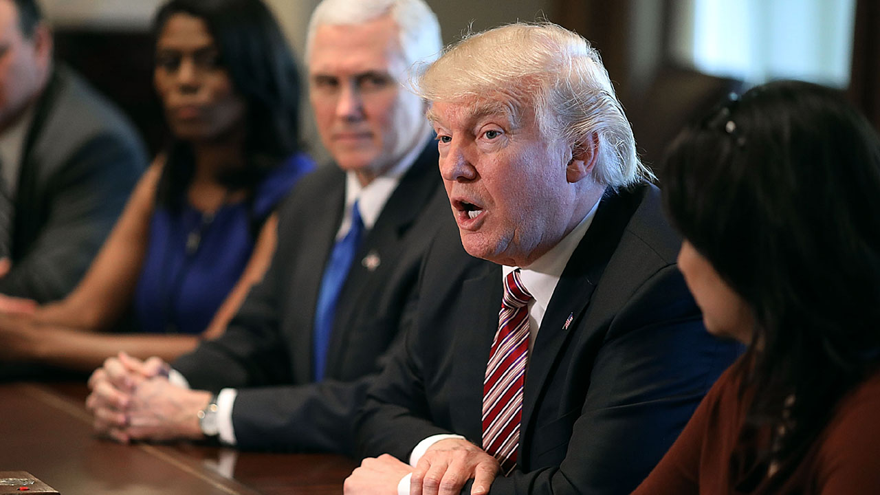 Trump at WH meeting05925215-159532