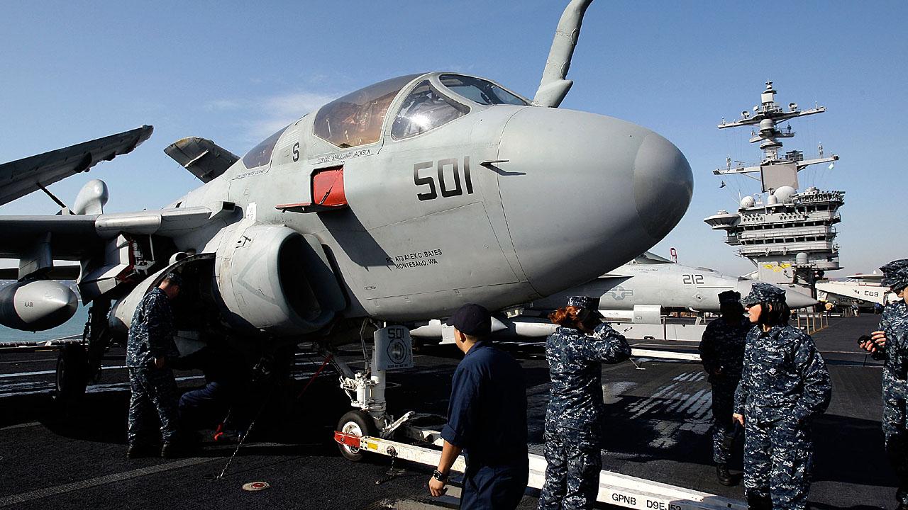 FA 18 Hornet on the USS Carl Vinson90312433-159532