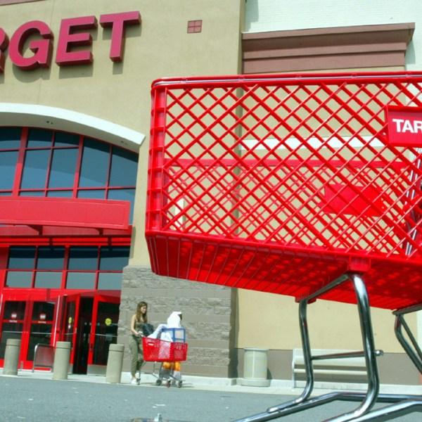 Target store and cart-159532.jpg30245477
