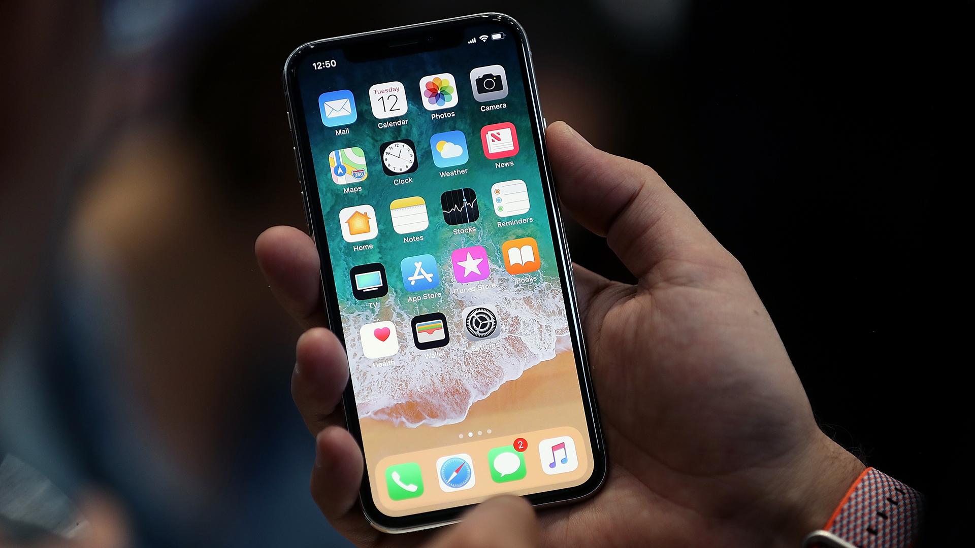 Apple iPhone X displayed-159532.jpg20323405
