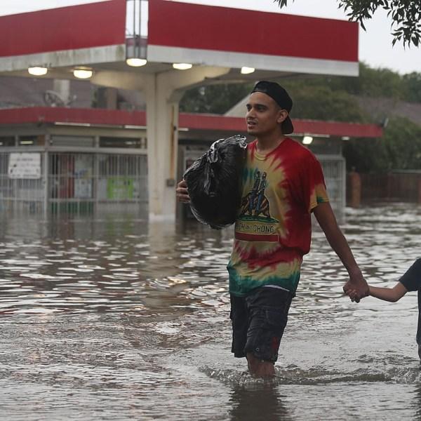 houston flooding gas station64990172-159532