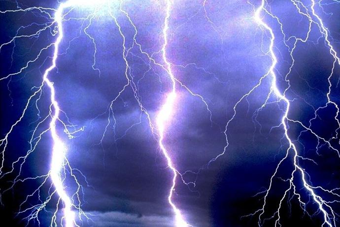 Lightning_4773215937449967965
