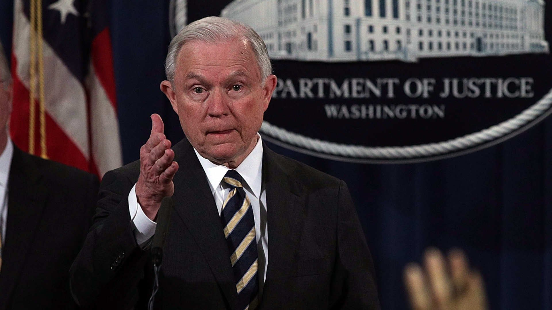 Jeff Sessions answers question-159532.jpg44215671