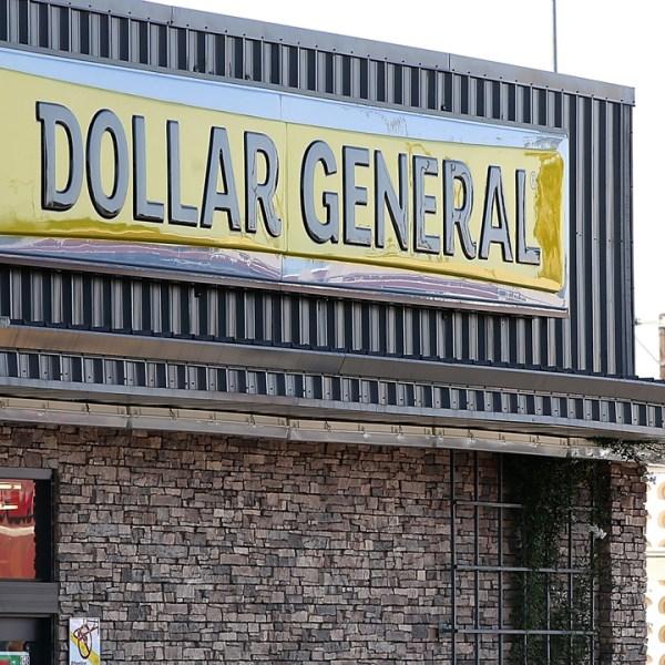 Dollar General sign-159532.jpg71118532