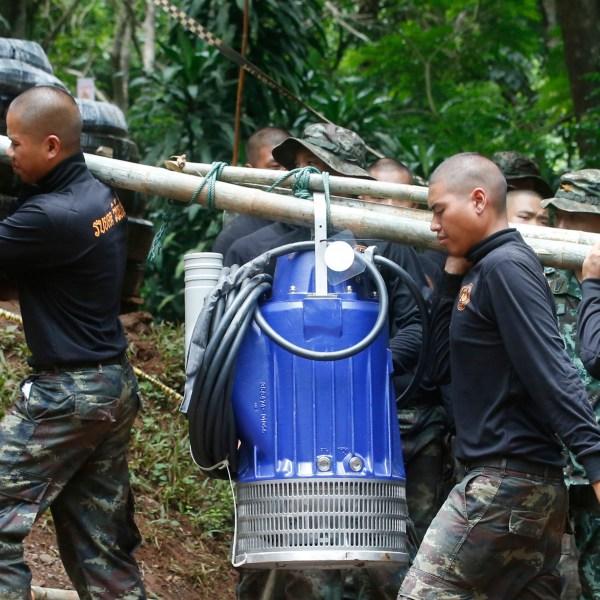 Thailand_Cave_Search_57900-159532.jpg08992767