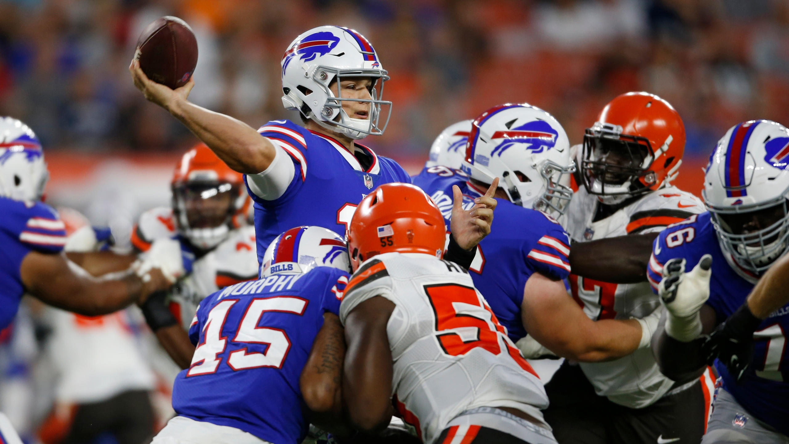 Bills Browns Football_1535646335842