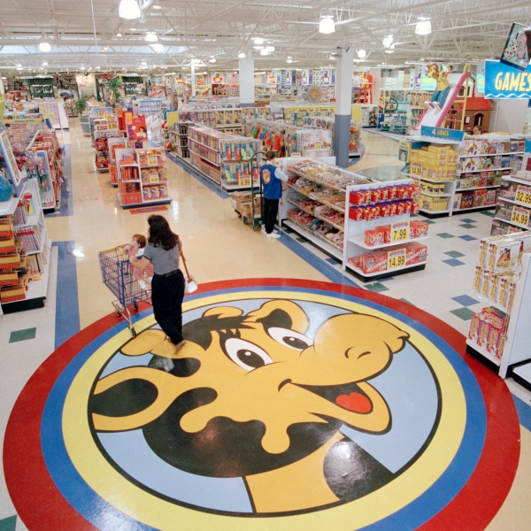 Toys_R_US_Revival_04049-159532.jpg13571172