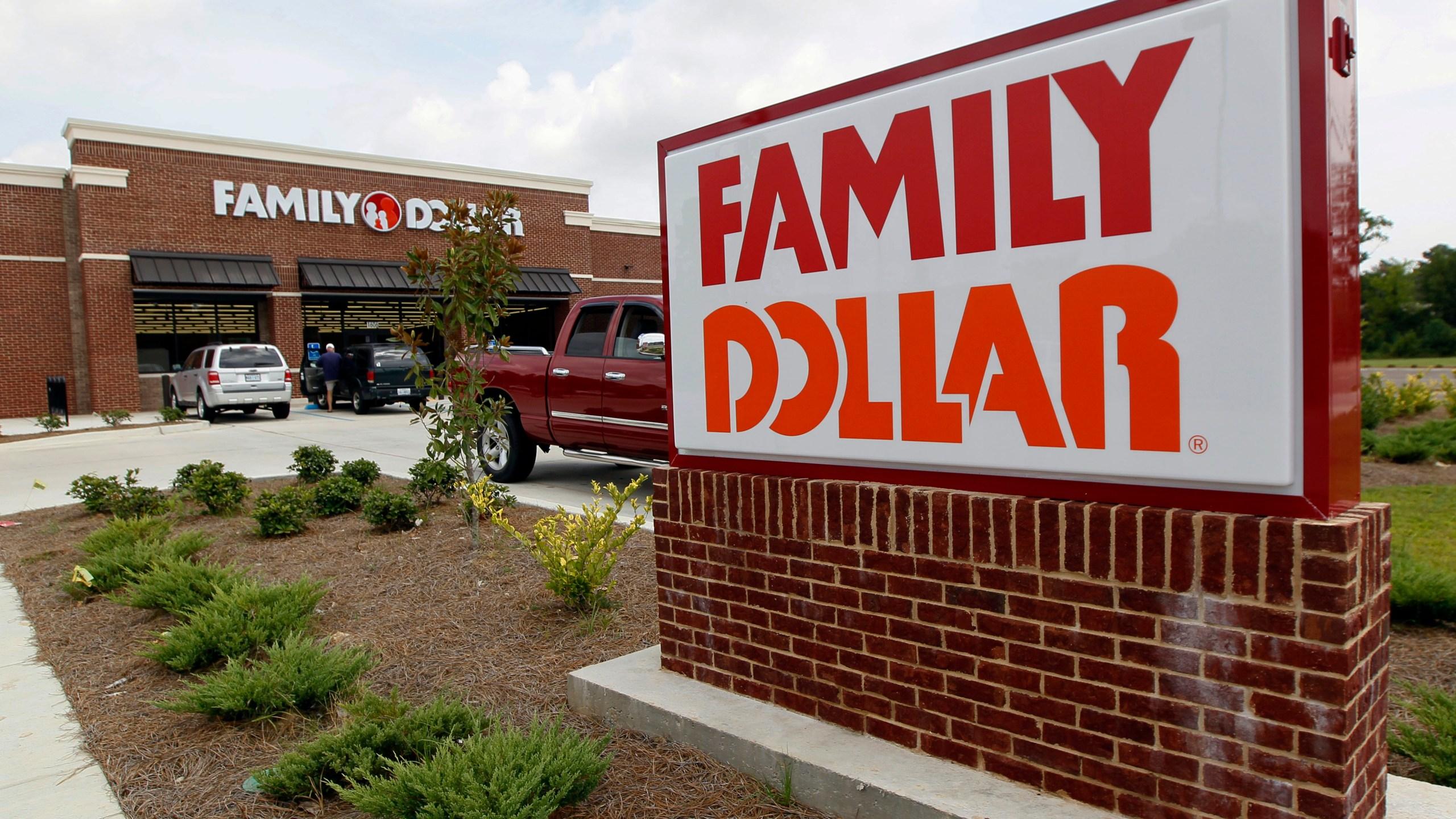 Family_Dollar_Dollar_General_74789-159532.jpg52202471