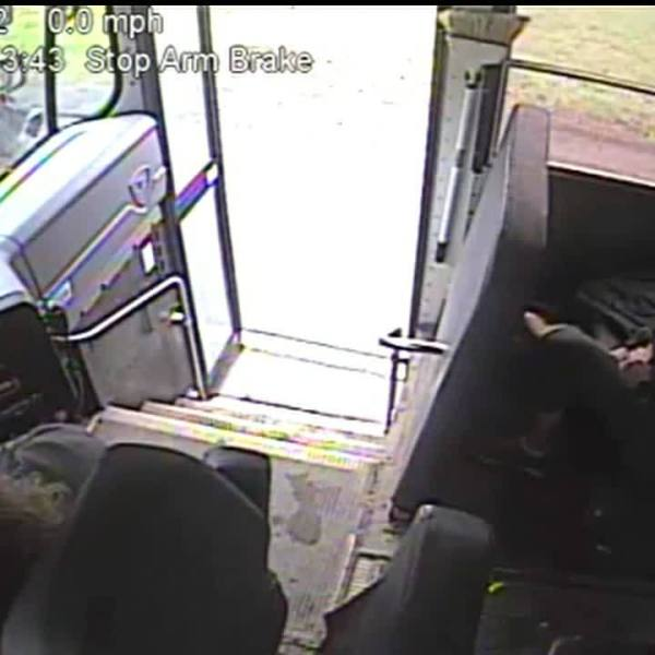 Norwich_bus_driver_pulls_student_back_fr_7_20190508154116