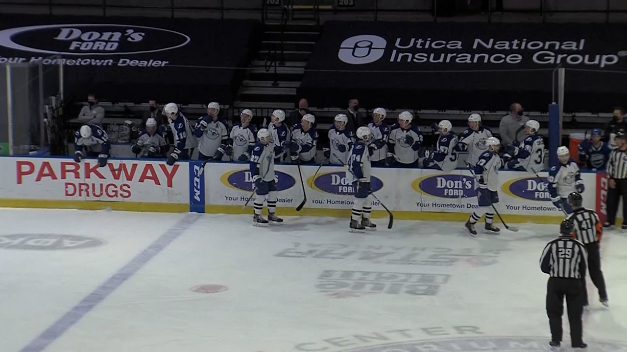 Crunch-lose-in-ot-to-comets